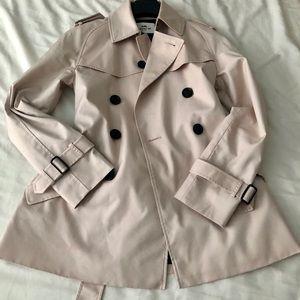 Coach trench coat in size XXS